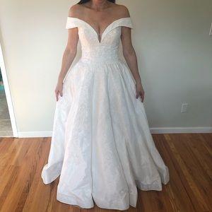 Dancing Queen Strapless Wedding Dress L